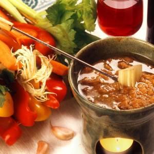 Il piatto regionale del mese: la bagna cauda piemontese