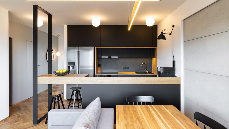 Cucina bianca, colorata o nera: quale preferisci?