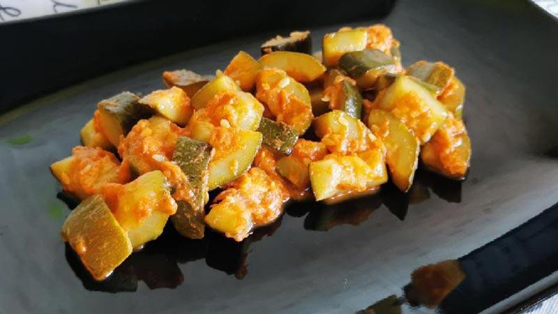Antipasto di zucchine e tonno