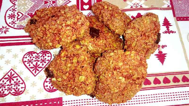 Biscotti ai fiocchi di avena e mandorle