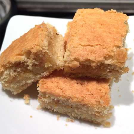 Biscotti arancia e mandorle