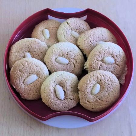 Biscotti con farina di mandorle e grano saraceno