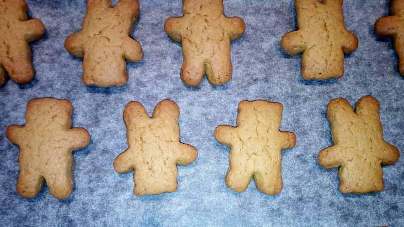 Biscotti con succo di pera