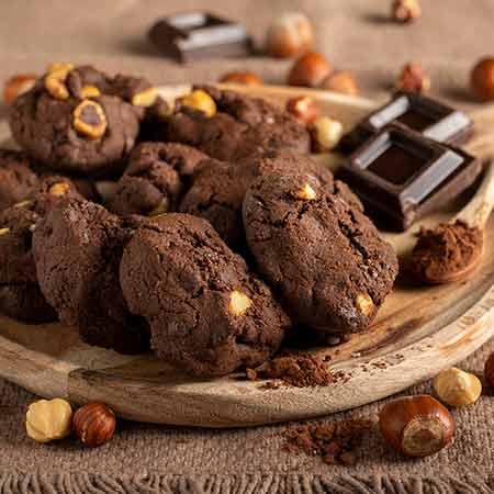 Biscotti moretti con nocciole