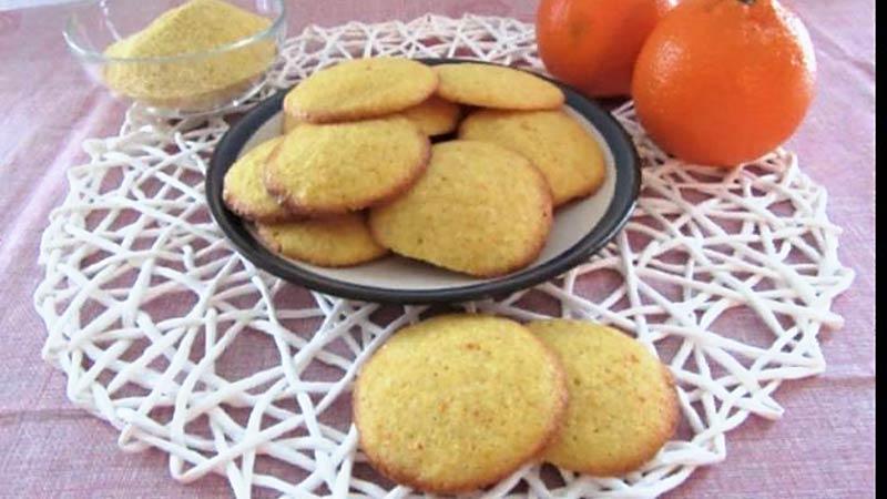 Biscotti semplici all'arancia