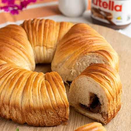 Brioche gomitolo wool roll bread