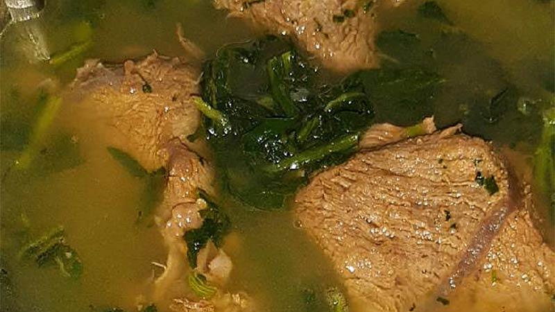 Brodo di carne con cicoria e pecorino