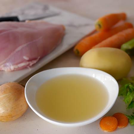 Brodo di carne di pollo