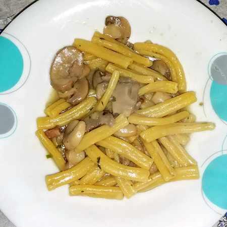 Caserecce con funghi e pancetta