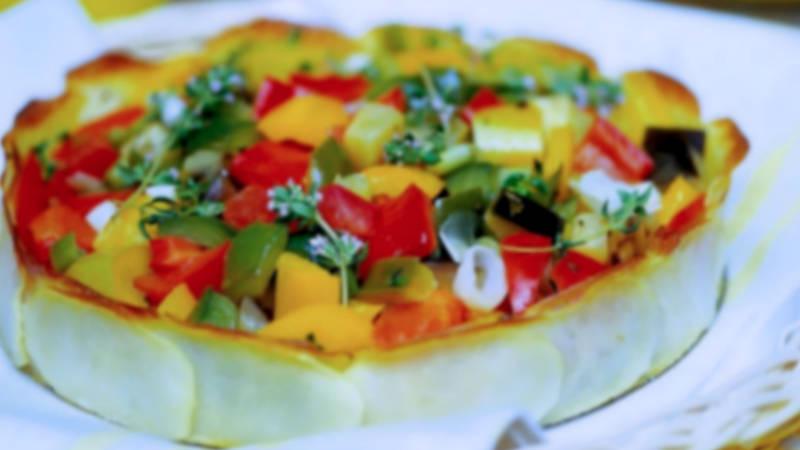 Cestino di patate con verdure