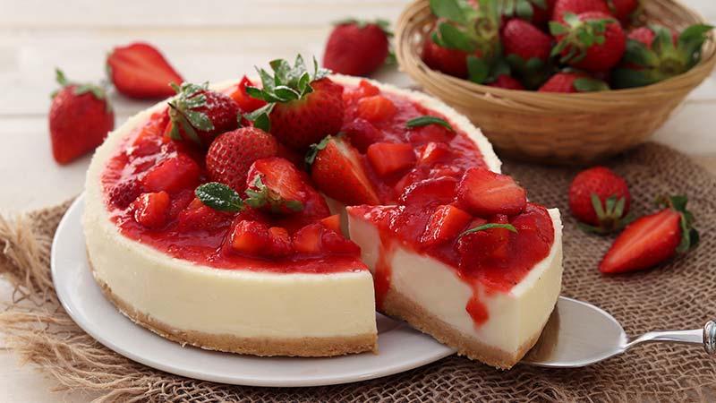 Cheesecake alle fragole al forno