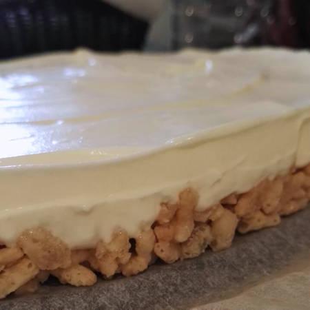 Cheesecake al limone e riso soffiato