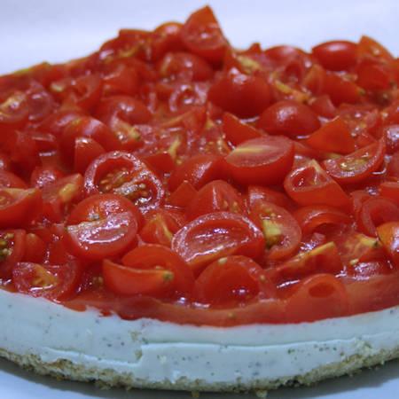Cheesecake salata pesto e pomodorini
