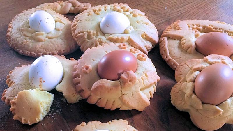 Ciambelle pasquali con uova