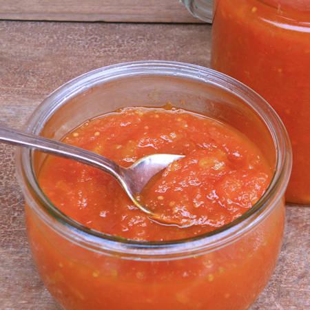 Confettura di carote e nocciole