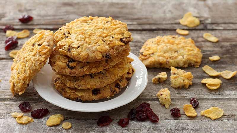 Cookies cornflakes e frutti rossi