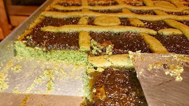 Crostata di pasta frolla con spirulina