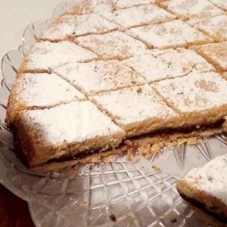 Crostata pere, amaretti e cacao