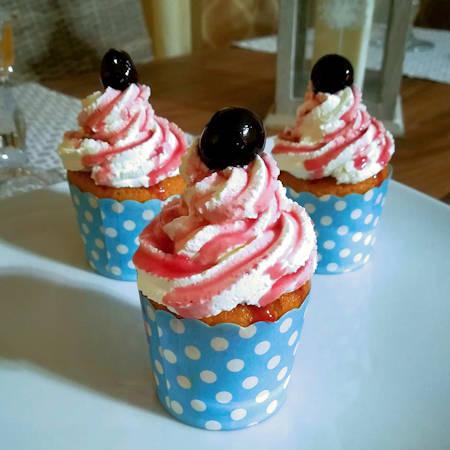 Cupcake amarena e frosting al mascarpone