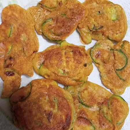 Frittelle di zucchine senza lievito