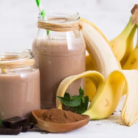 Frullato banana e mandorle proteico