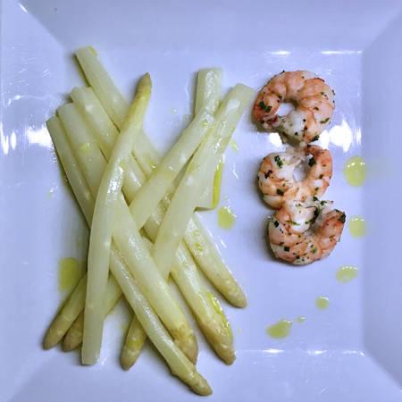 Gamberoni con asparagi a Varoma