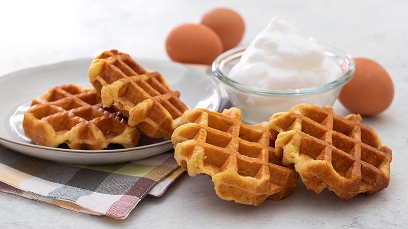 Impasto per waffle con albumi montati