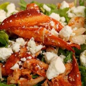 Insalata ricca di astice e verdure