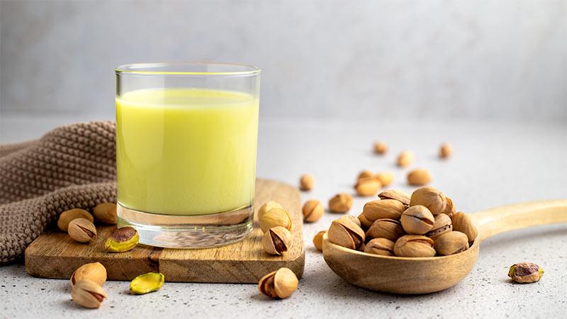 Latte di pistacchio