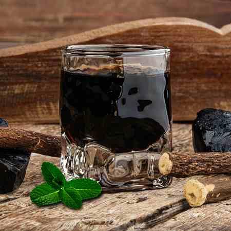 Liquore alla menta e liquirizia