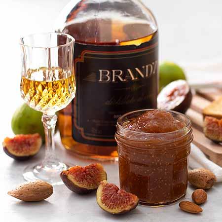 Marmellata di fichi, mandorle e brandy