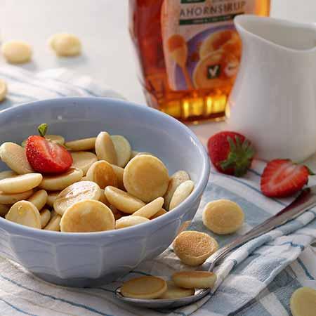 Mini pancake cereal