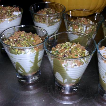 Mousse ricotta pistacchio e amaretti