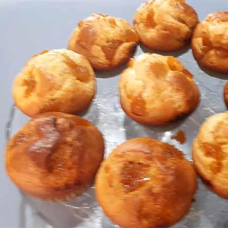 Muffin all'arancia con mandorle e nocciole