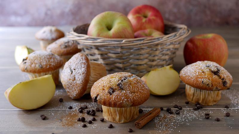 Muffin mele gocce di cioccolato e cannella