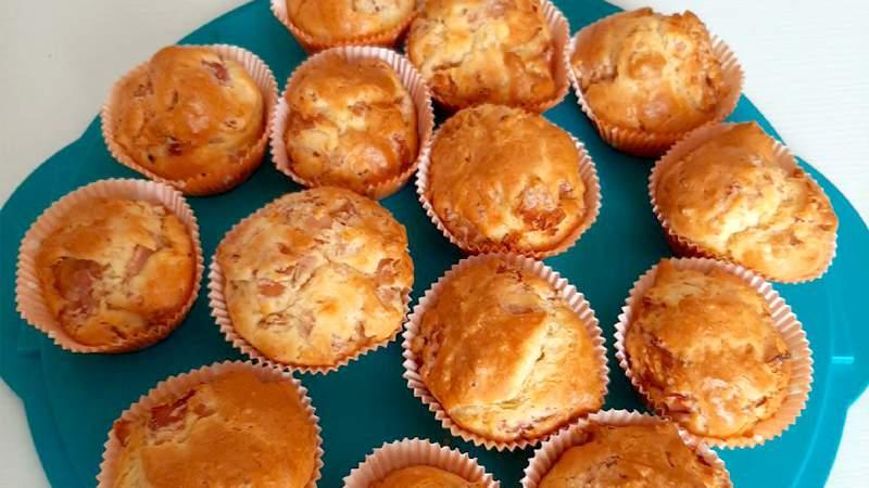 Muffin salati con provola e cotto
