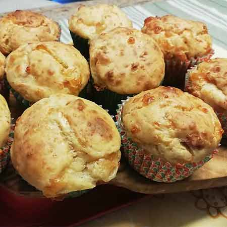 Muffin salati patate, speck e provola