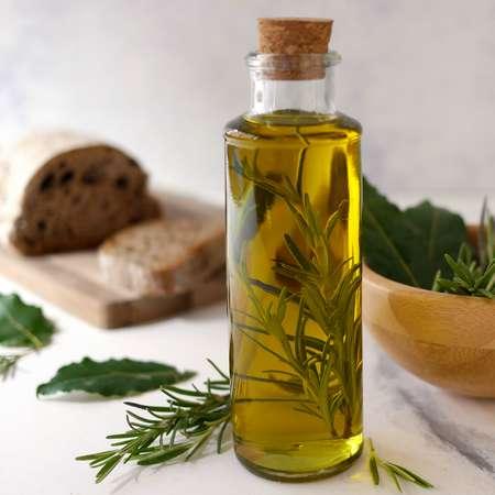 Olio aromatizzato al rosmarino e alloro