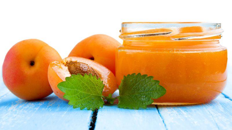 Omogeneizzato di mela ed albicocche