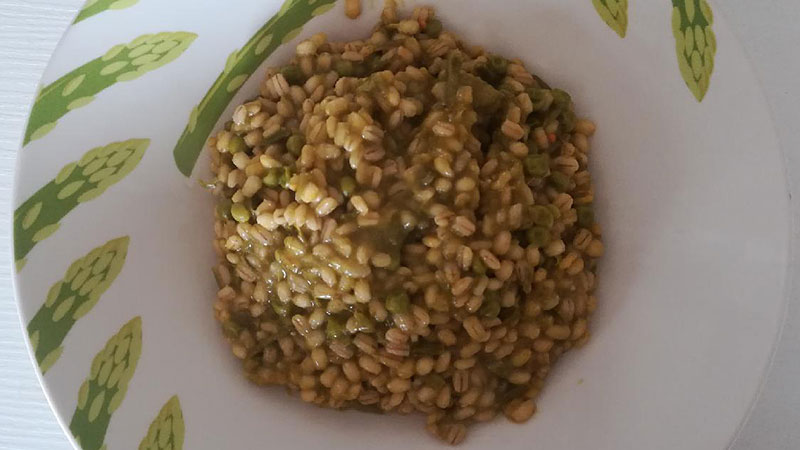 Orzotto asparagi e piselli