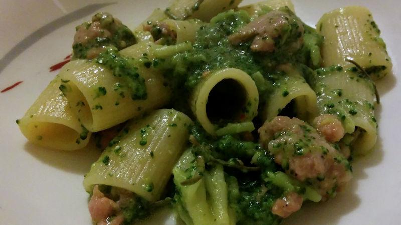 Paccheri broccoli e salsiccia