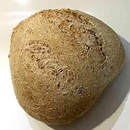 Pane integrale con lievito madre secco