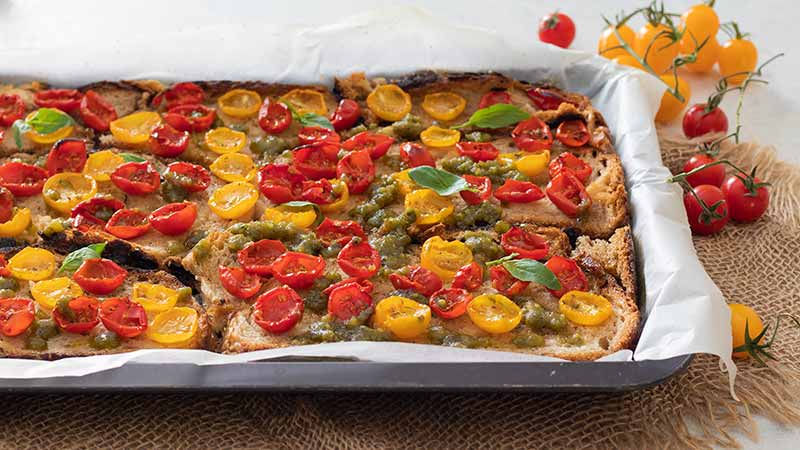 Pane pizza pomodorini e pesto