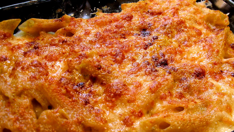 Pasta al forno peperoni e besciamella