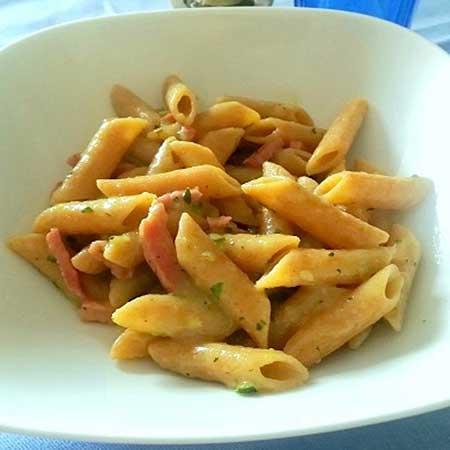 Pasta risottata con crema di zucchine e speck