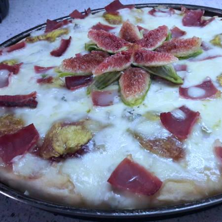 Pizza fichi gorgonzola e speck