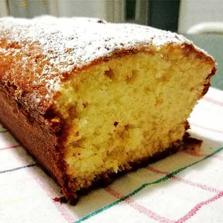 Plumcake all'arancia e yogurt senza lattosio