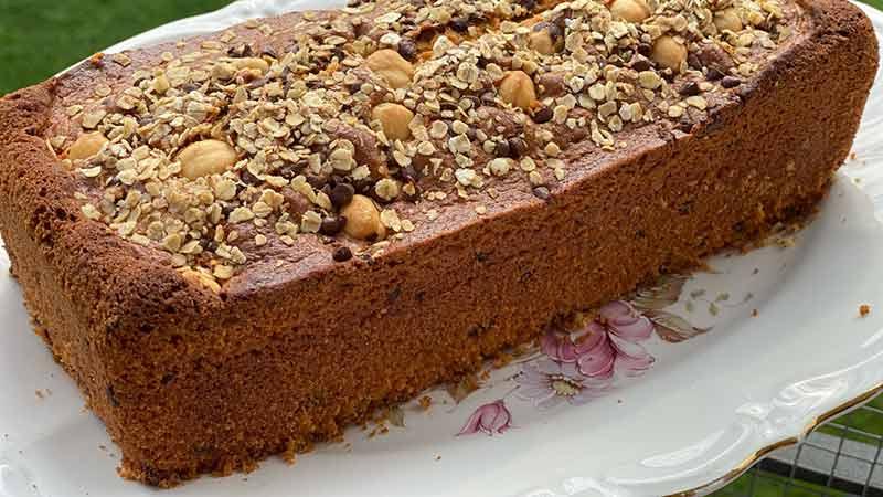 Plumcake avena nocciole e gocce di cioccolato