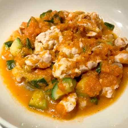 Pollo e zucchine con sughetto