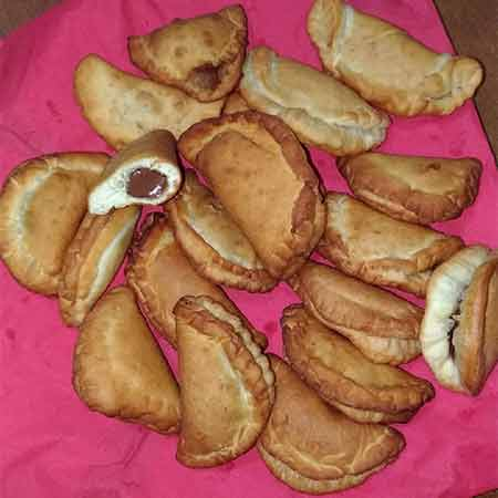 Ravioli dolci fritti ripieni di Nutella